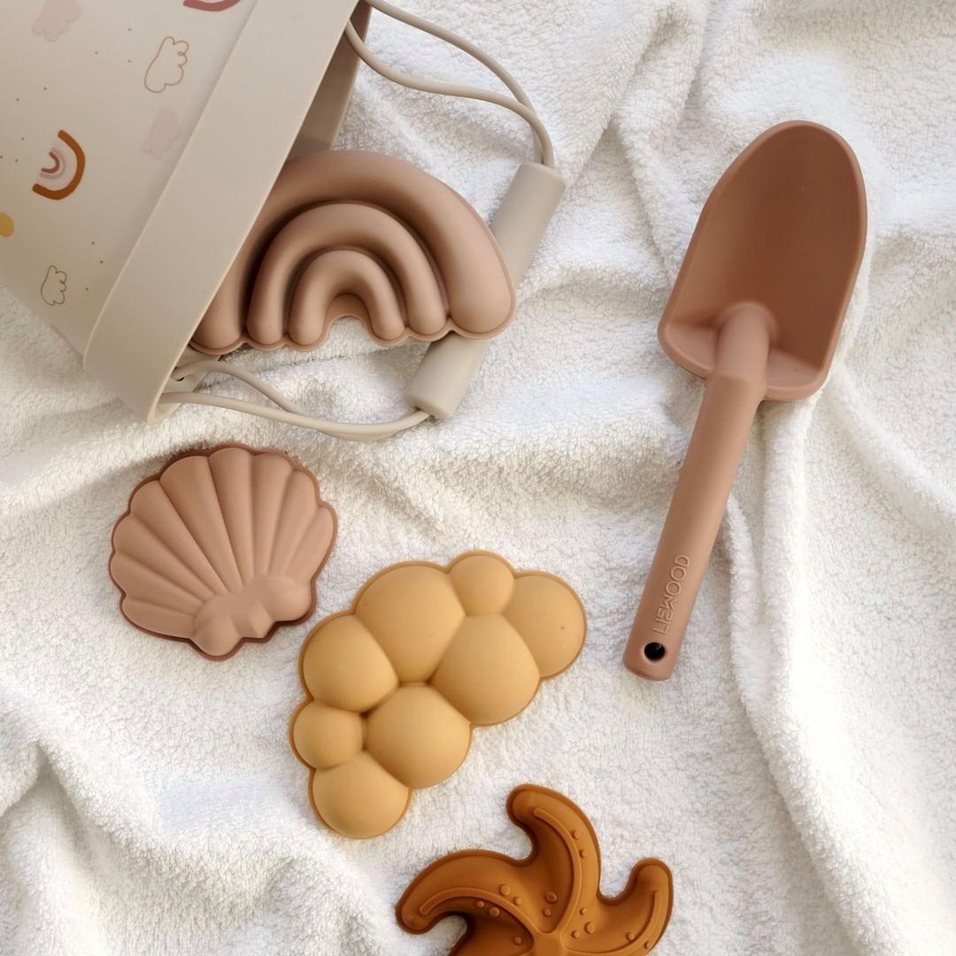 jouets plage Liewood