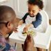 A quel âge bébé peut manger … ?