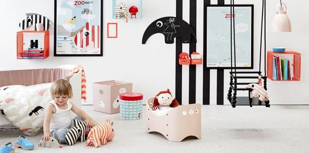 une chambre montessori pour b b berceau magique. Black Bedroom Furniture Sets. Home Design Ideas