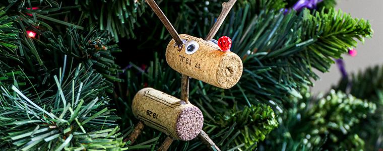 Déco de Noël : Rennes en bouchons de liège