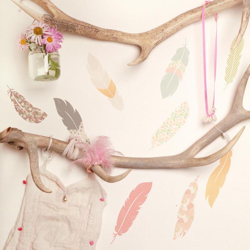 sticker indien plumes décoration chambre bébé